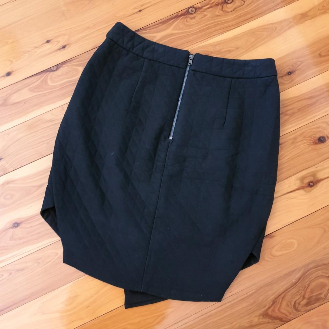 Women's size 10 'SHEIKE' Stunning black quilted assymetrical skirt - AS NEW