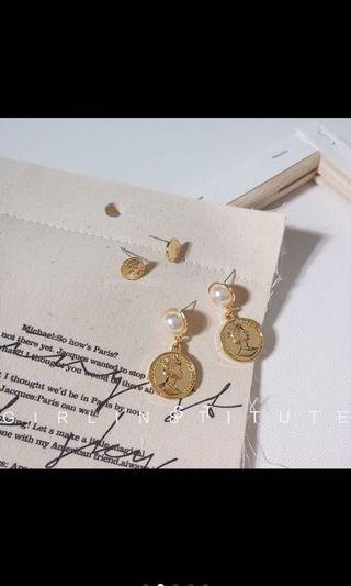 Coin earrings set