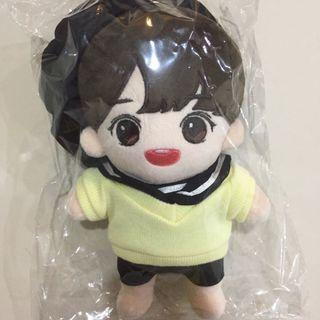 Wanna One Jihoon Doll+Pic 2 Outfit
