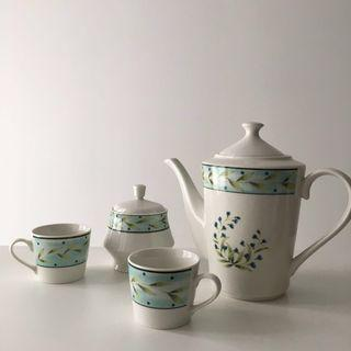 Vintage ceramic dinnerware set