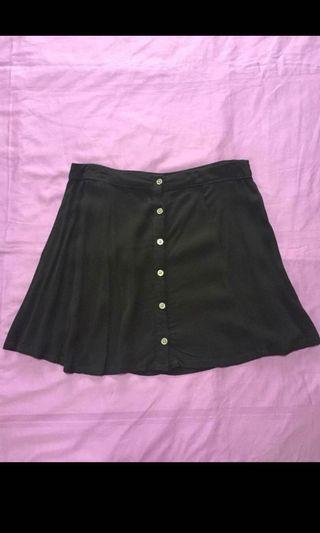 🚚 Forever 21 black skirt