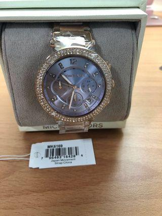 Michael Kors MK6169 熱賣款石英女錶 施華洛世奇水晶鑲嵌的錶圈 多功能三眼內置 日期顯示