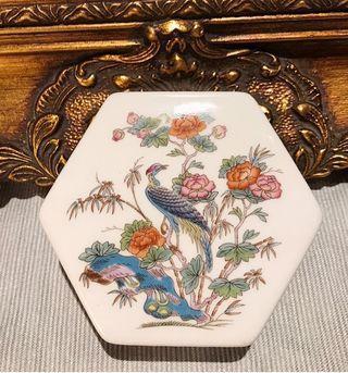 英國 Wedgwood Kutani Crane九谷鶴系列骨瓷六角形珠寶盒