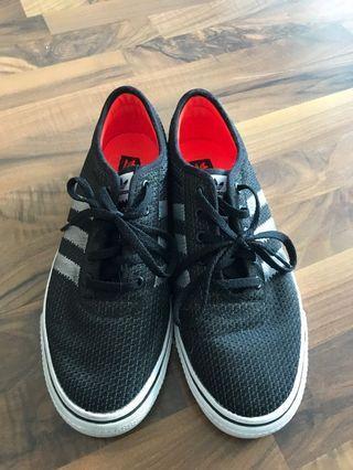 Adidas Mens Size 8.5