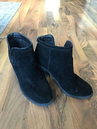 Jeffrey Campbell x Urban Outfitters Suede Bootie