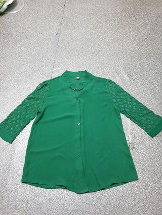 Emerald Lace Blouse #JuneToGo