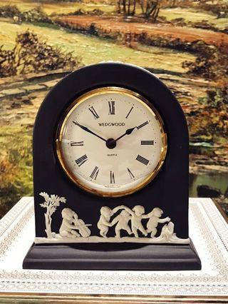 英國 Wedgwood Jasperware 罕有黑白浮雕陶瓷鐘