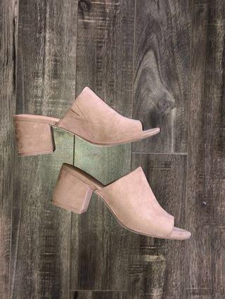 Nude block Sandals