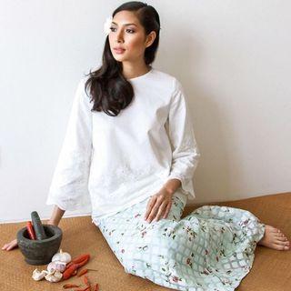 Selma Kurung by Merah Jambu