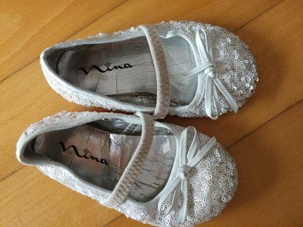 Girls' white shoes 女童斯文白鞋