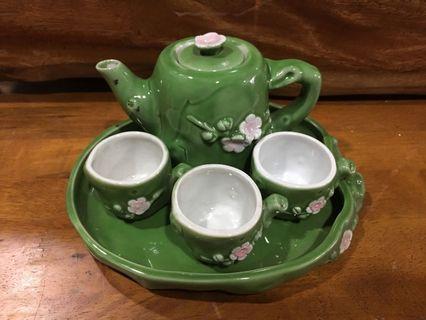 Vintage 80's Tea Pot Set