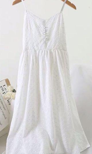 白色小清新吊帶裙V領刺綉提花中長款過膝連衣裙