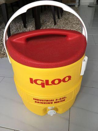 🚚 Igloo water cooler -3 gallon  with tap