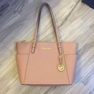 🚚 Michael Kors Jet Set Zip Top Tote In Dusty Rose