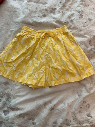 Girl shorts with elastic waist kid size S