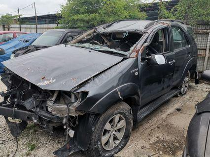 Toyota fortuner 2010 used parts