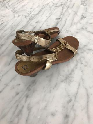🚚 Anne Klein slip on heels