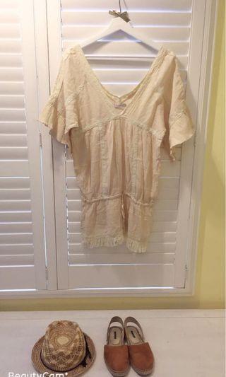 我的小巴黎 棉麻料波西米亞風格上衣 亞麻棉色系 Dizzy日本專櫃 蕾絲邊拼接亞麻 可搭配飾品增添個人品味