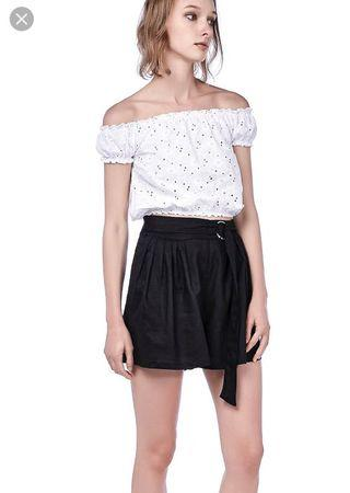 TEM Maisy Front Pleated Shorts (Black)