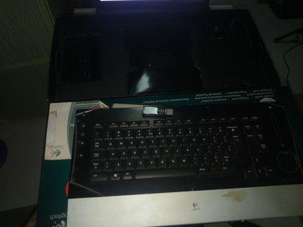 🚚 Logitech wireless keyboard
