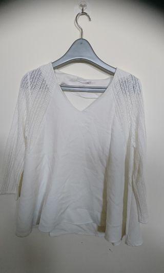 🚚 時尚網袖白色上衣(肩寬38 胸寬50 長62)