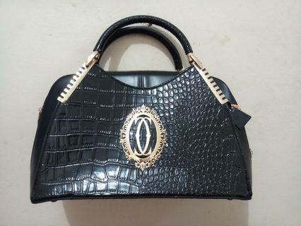 CARTIER handbag Preloved