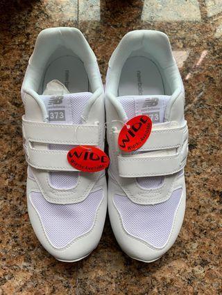 全新New Balance 中童白色波鞋38碼
