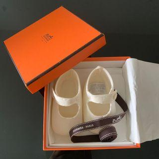 (BNIB) Hermès first baby shoes Perfect for gift