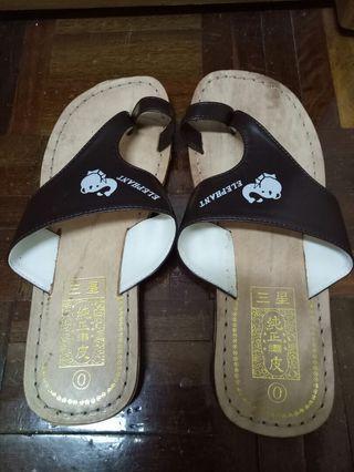 🚚 9.5成新 皮 夾腳拖鞋