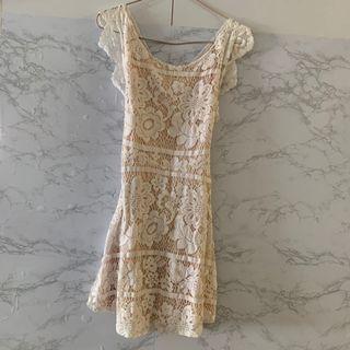 Lace Dress 沙灘裙 白色 蕾絲 短裙