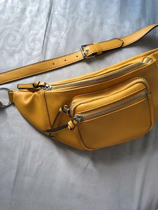 Waistbag Stradivarius