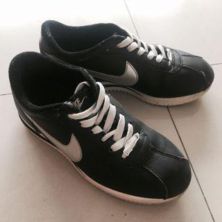 Nike 阿甘鞋 23.5