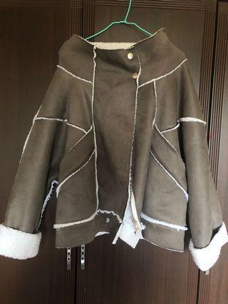 🚚 冬季出清-絲光灰色毛呢個性短版外套