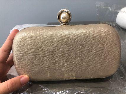 🚚 Brand New in Dust Bag Glitter Clutch Hardcasing
