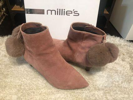 Millie's 粉色麖皮尖頭矮踭鞋
