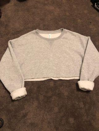GREY CROPPED SWEATER SIZE S