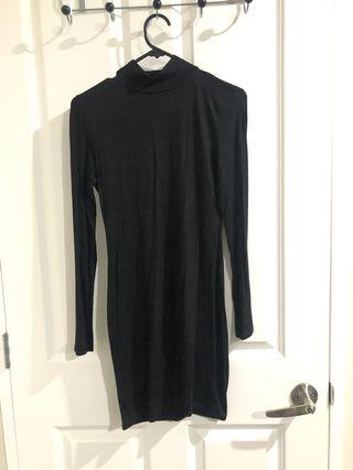 Size8-10 - turtle neck mini dress - Boohoo
