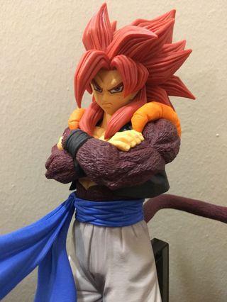 Banpresto Dragon Ball super saiyan 4 gogeta