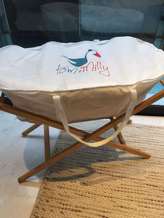 🚚 Tom & Milly baby Moses basket bassinet