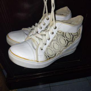 Sneakers Heels Putih #maudandan