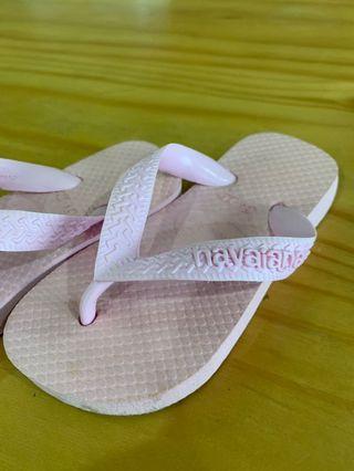 🚚 Havaianas pink slipper