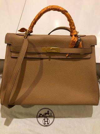 Hermes kelly Bag. aAA+ top quality. Gold colour. Gold hardware. Complete