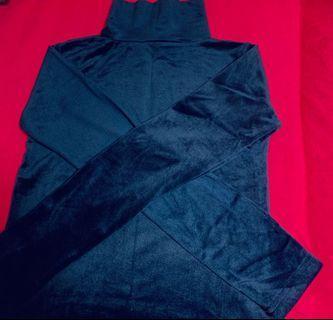 🚚 藏青色絲絨高領上衣💙