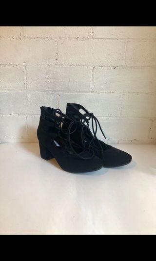 AU 7 Steve Madden Black Suede Lace-Up Heels