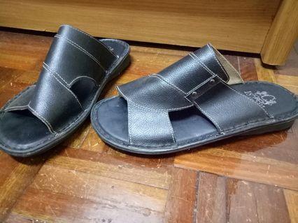 🚚 黑色 拖鞋