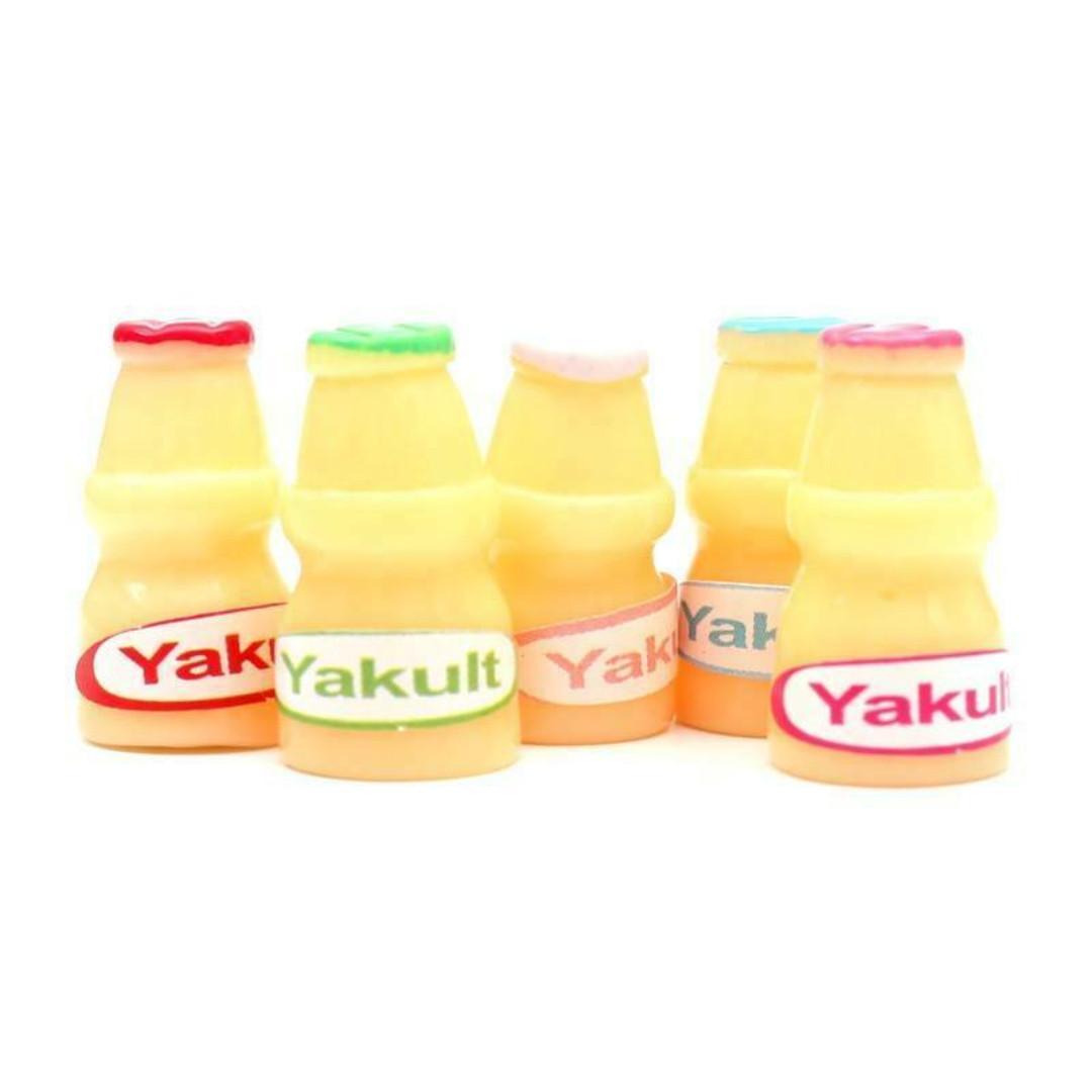 1x 2.3cm Miniature Little Shop Barbie doll sized probiotic drinks resin Yakult