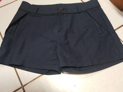 深藍西裝短褲