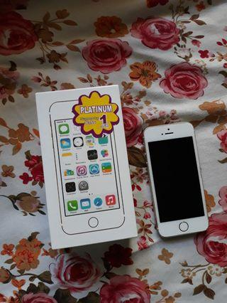 iPhone 5s Gold 16 gb preloved minus LCD n touchscreen eror