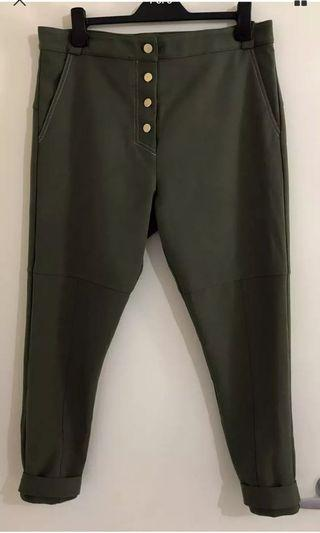Ladies MANNING CARTELL Olive Stretch Ankle Pants.  Size 14-16