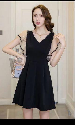 全新 黑色V領連身裙 喱士袖 飛飛袖 喇叭袖